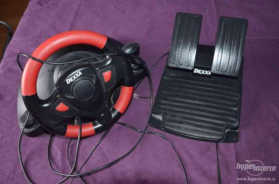 Hrací volant na PC