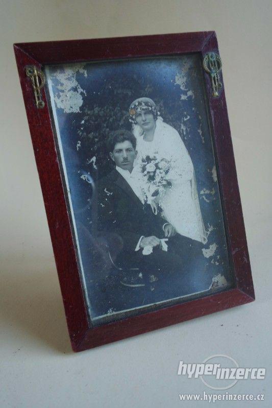 Dřevěný rámeček na foto