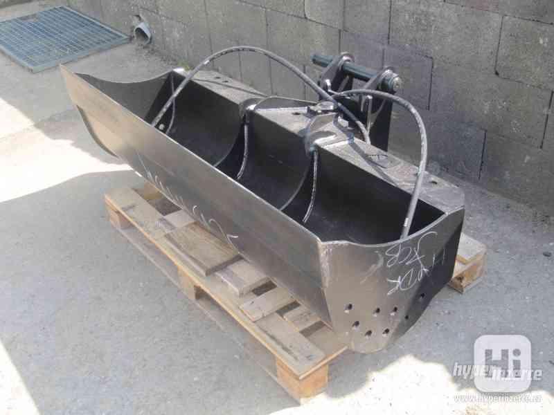 Hydraulická svahovací lžice Jcb 3cx-4cx 150cm