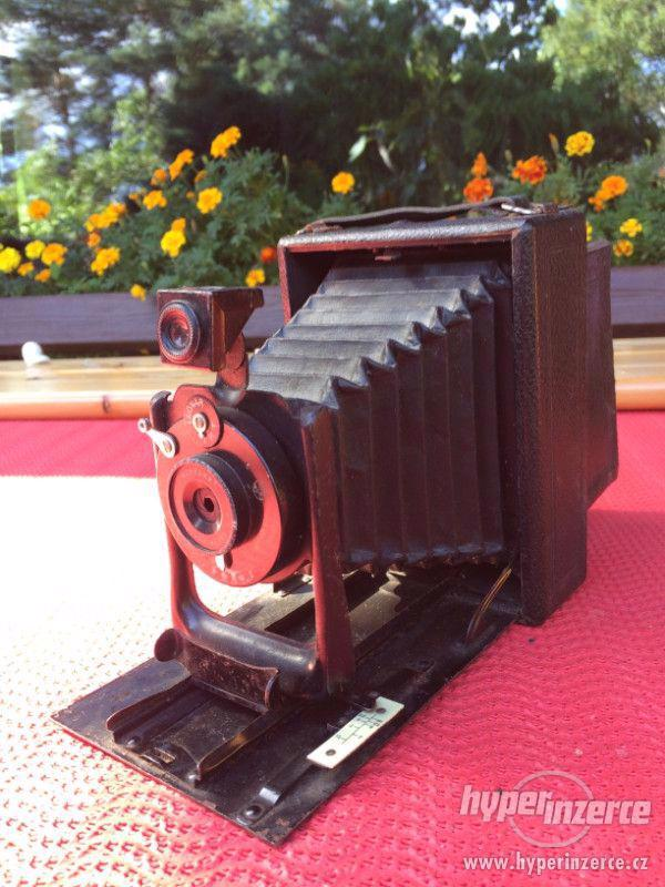 Historický fotoaparát Leonar - Werke 9x12 cm - foto 2