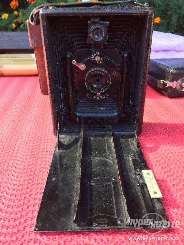 Historický fotoaparát Leonar - Werke 9x12 cm - foto 6