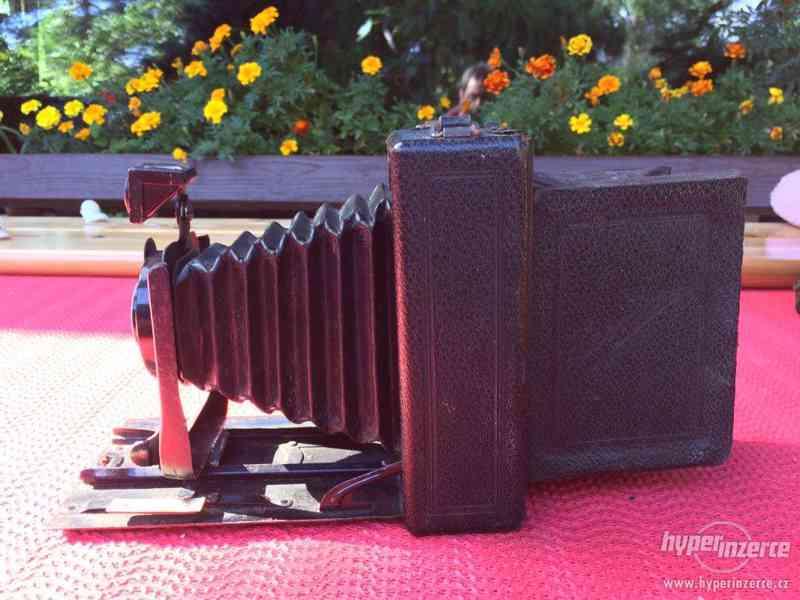 Historický fotoaparát Leonar - Werke 9x12 cm - foto 3