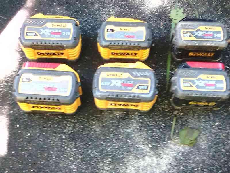 Baterie Dewalt 18V 6-9Ah Flex - foto 3