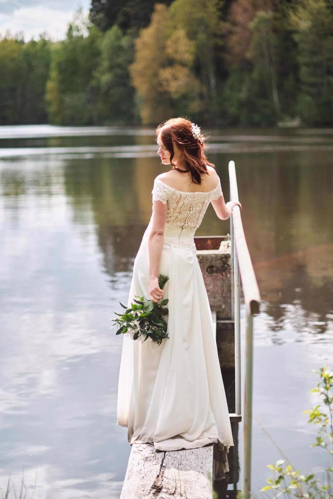 Nádherné svatební šaty vel. 32-34 barva krémová/champagne - foto 1