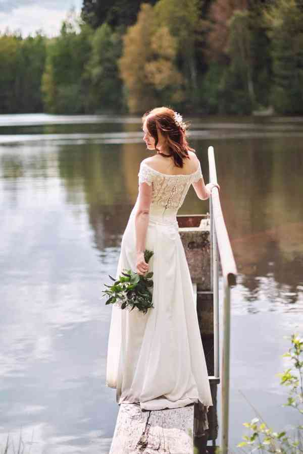 Nádherné svatební šaty vel. 32-34 barva krémová/champagne