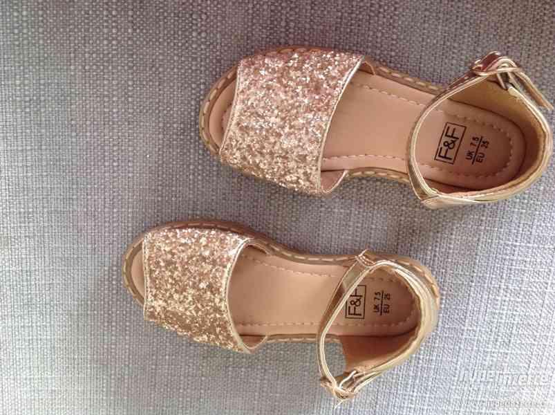 Krásné zlaté sandály vel. 25 F&F