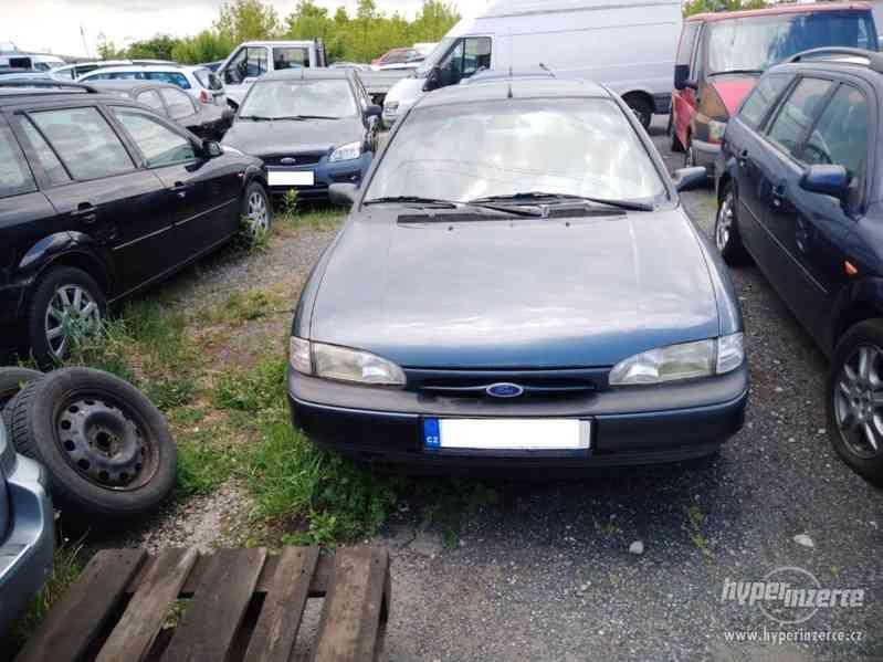 1994_Ford Mondeo Hatschback_1,6 DOHC - foto 2