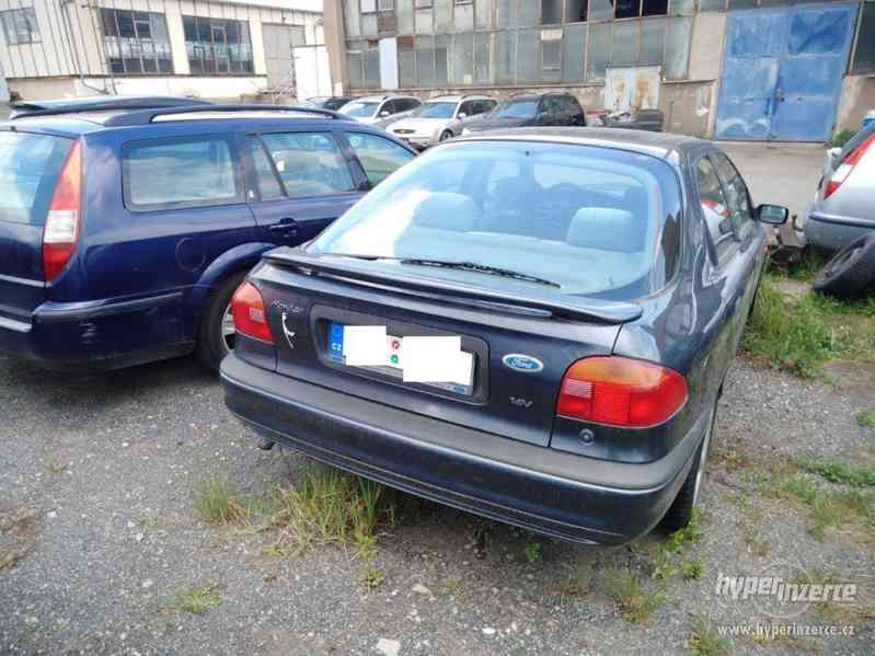 1994_Ford Mondeo Hatschback_1,6 DOHC - foto 4