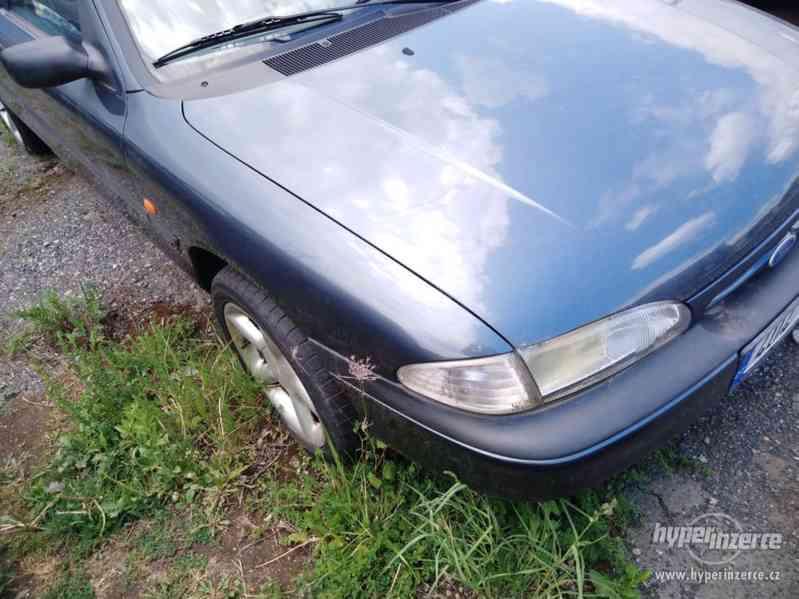 1994_Ford Mondeo Hatschback_1,6 DOHC - foto 5