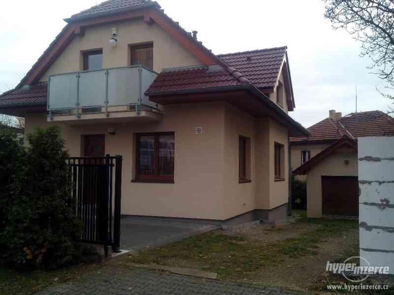 Pronájem RD s garáží Praha-4