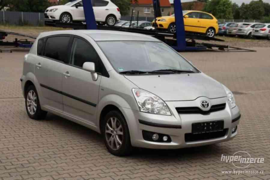 Toyota Corolla Verso 1.8i Team benzín 95kw - foto 1