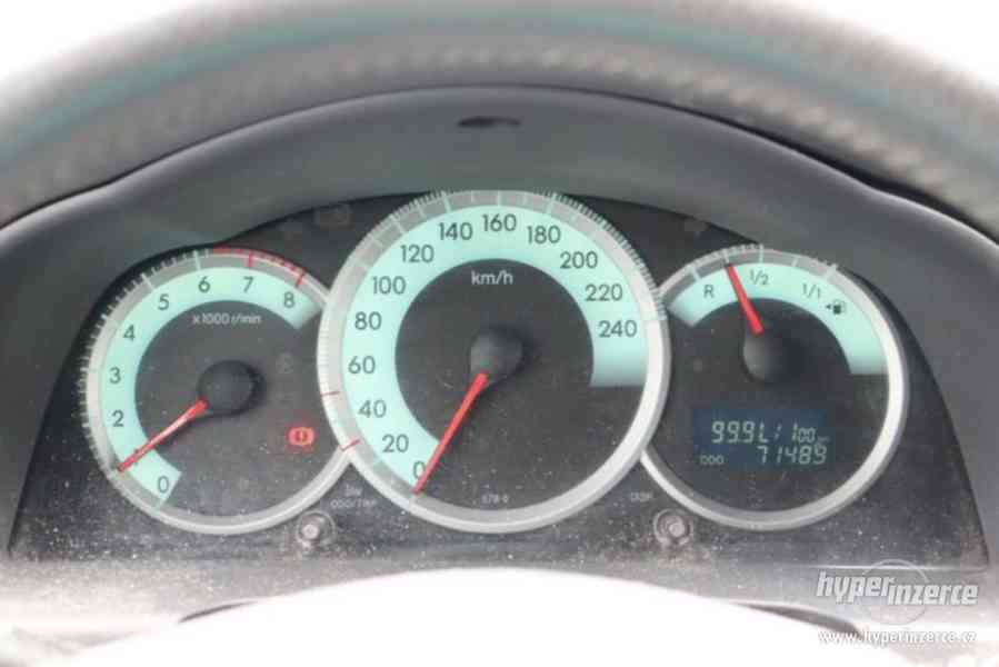 Toyota Corolla Verso 1.8i Team benzín 95kw - foto 5