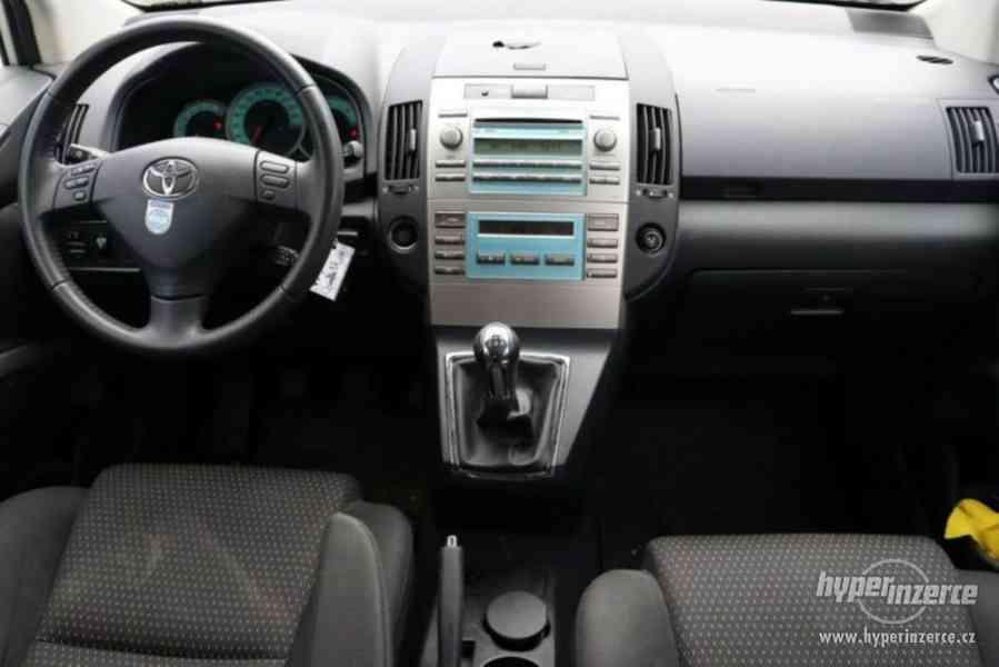 Toyota Corolla Verso 1.8i Team benzín 95kw - foto 8