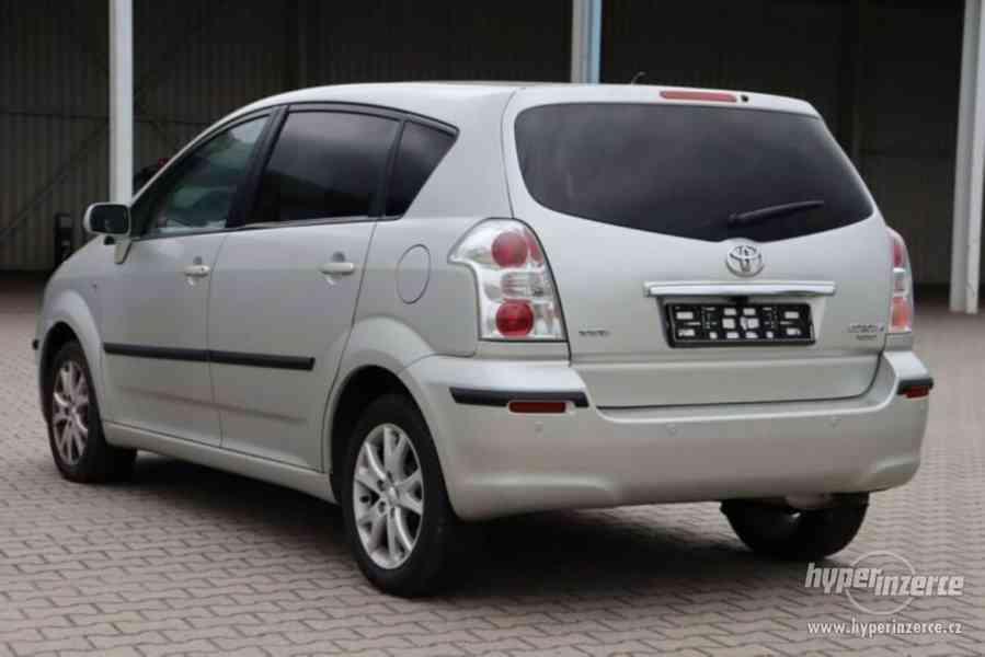Toyota Corolla Verso 1.8i Team benzín 95kw - foto 10