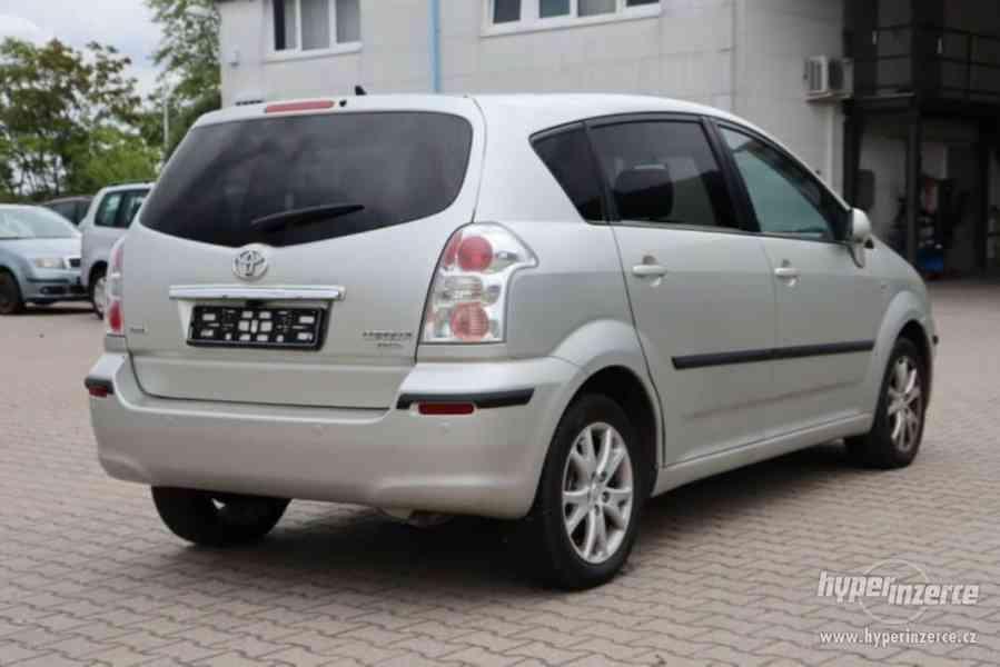 Toyota Corolla Verso 1.8i Team benzín 95kw - foto 11