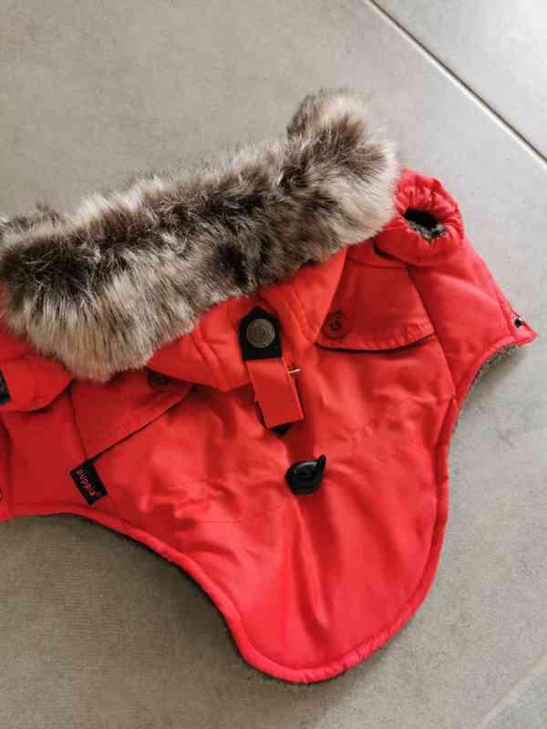 Červená zimní bundička