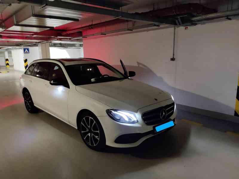 Mercedes E220d 4MATIC COMBI Avantgarde, 55000 km, r.v.2019 - foto 2