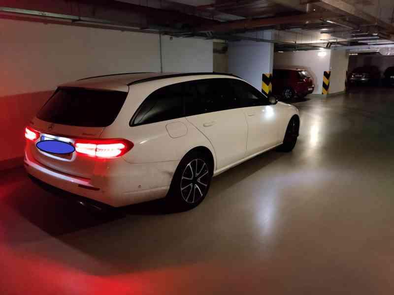 Mercedes E220d 4MATIC COMBI Avantgarde, 55000 km, r.v.2019 - foto 4