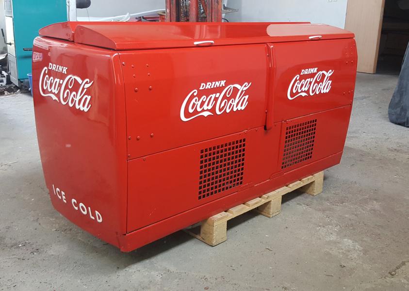 Historická lednice Coca-cola