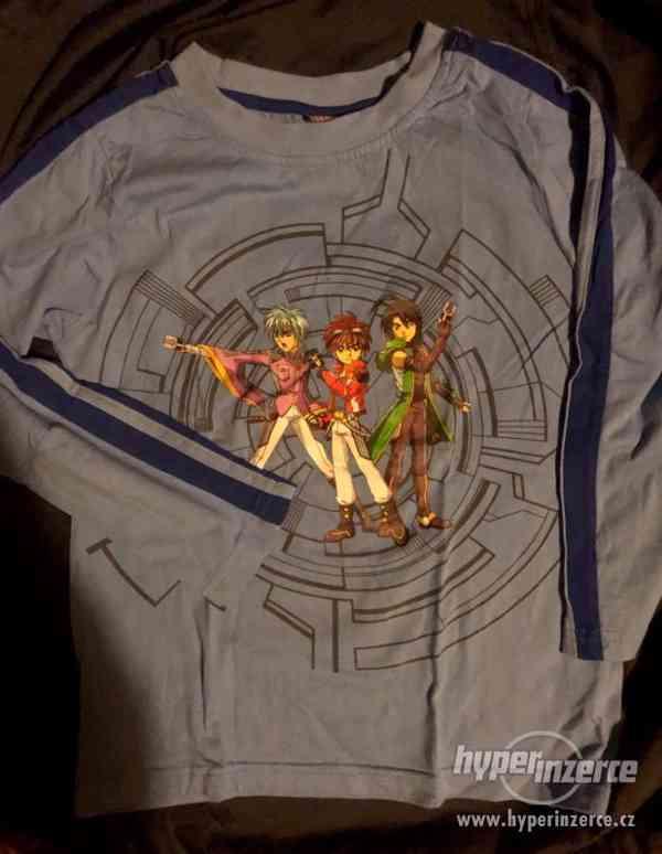 Modré dětské tričko Bakugan s dlouhým rukávem.