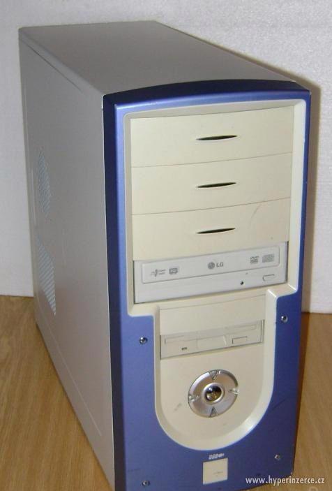 PC 2x3GHz, 3GB RAM, herní grafika GTX260 + monitor - foto 1