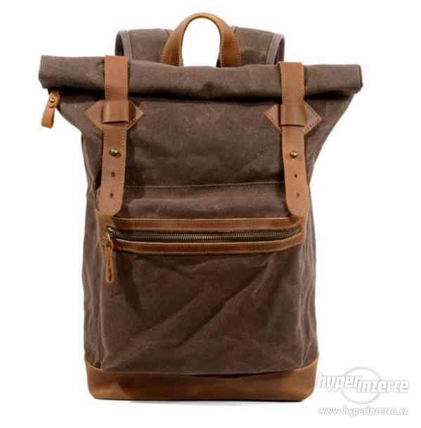 Velký nepromokavý retro batoh