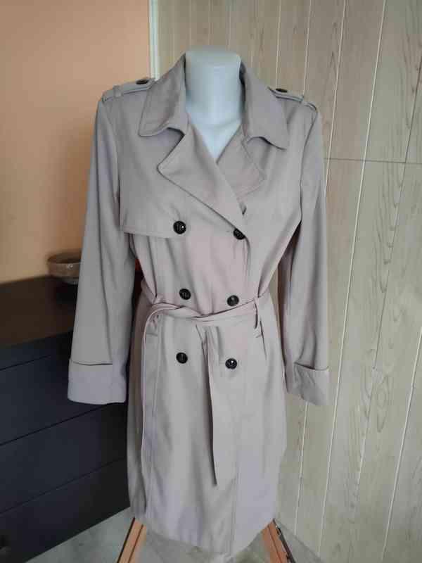 Dámský elegantní kabát vel.44