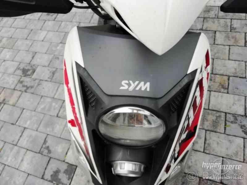 Prodám skútr Sym CROX 125 top stav - foto 8