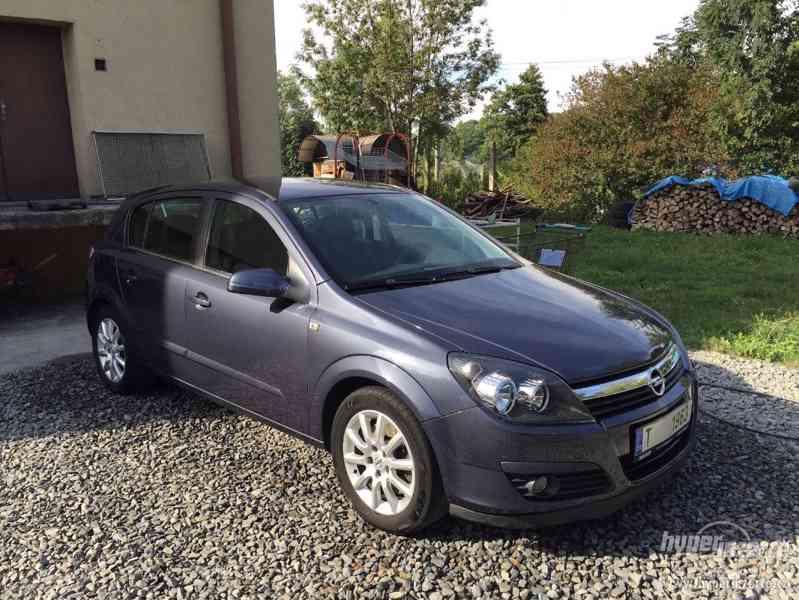 Opel Astra H 1.9 CDTi SPORT -5 dveří - foto 1
