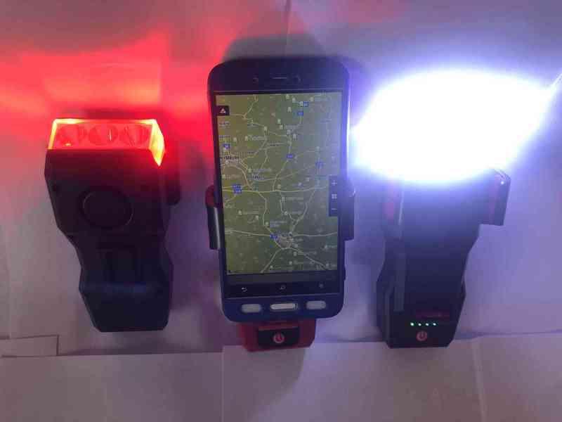 Světlo na kolo (4 v 1) 550Lm, 2400mAh  - foto 7