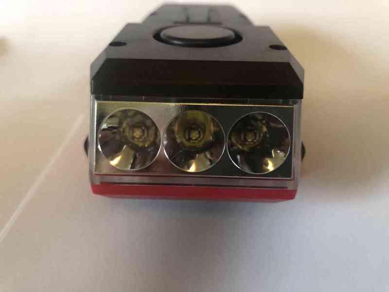 Světlo na kolo (4 v 1) 550Lm, 2400mAh  - foto 11