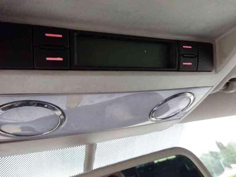 VW Multivan 2.5 TDI r.v.2003 2.Majitel v ČR - foto 12