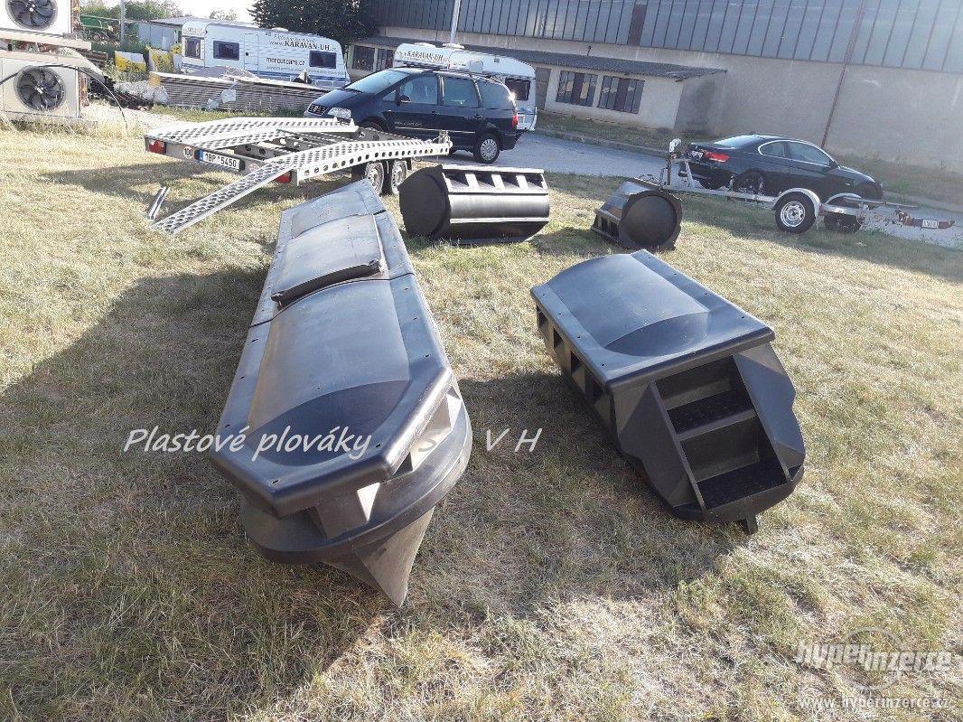 Hausbot si postavte na plastových plovácích SLVH - foto 1