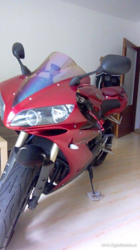 Yamaha r1 - foto 8