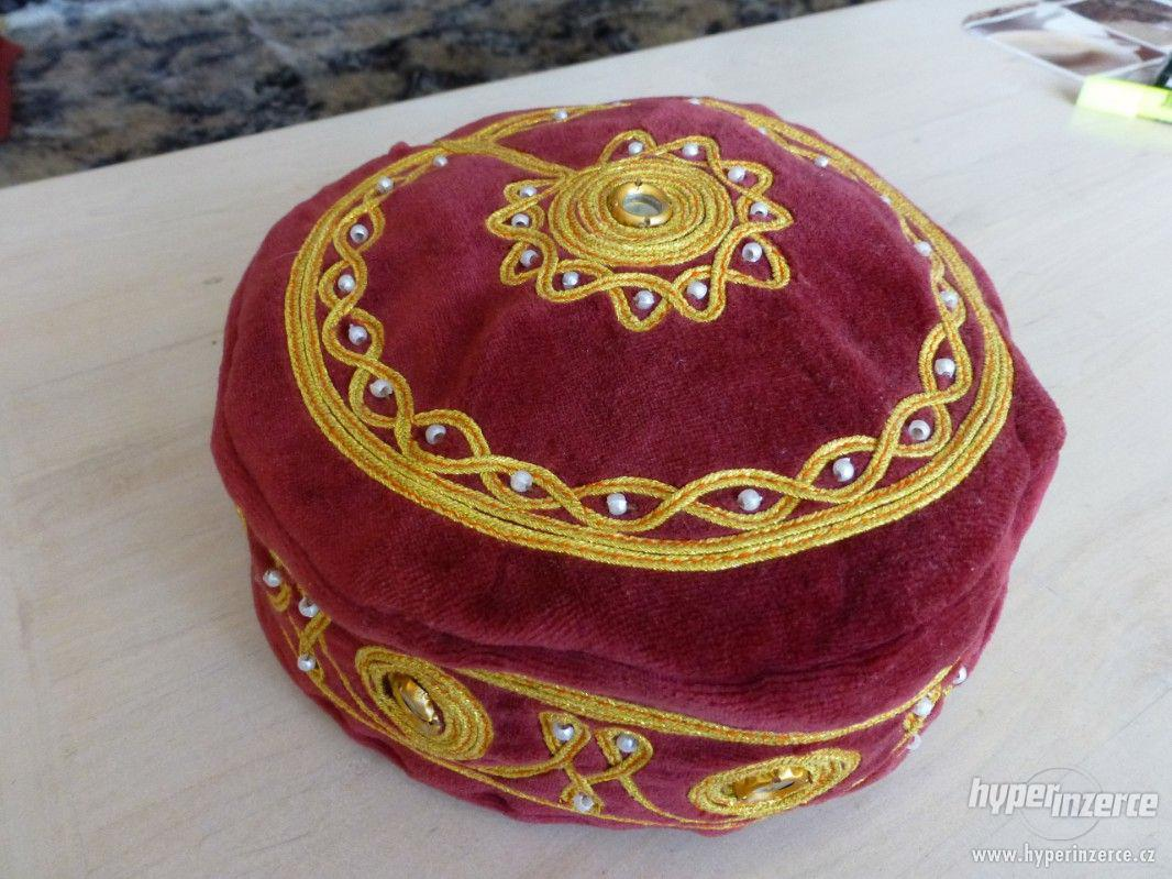turecká čapka - foto 1