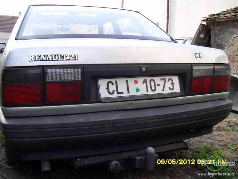 Prodám náhr. díly z celého vozu na Renault 21 benzín - foto 3