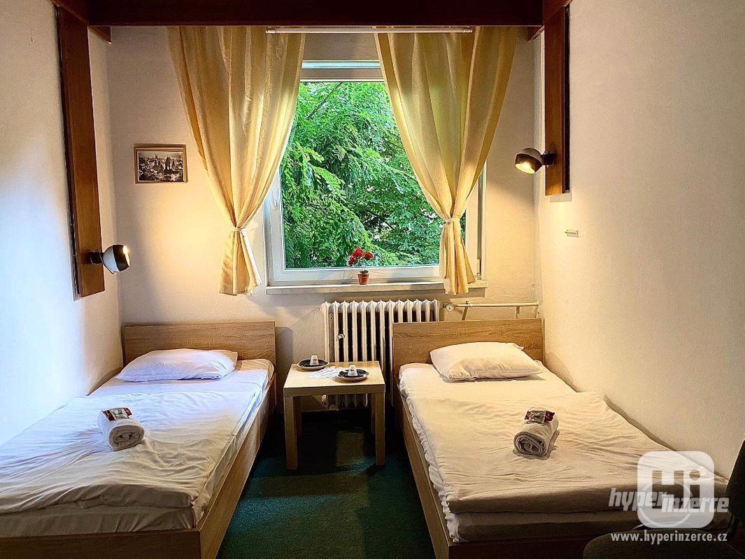 Levné ubytování Praha 6 HOSTEL - foto 1