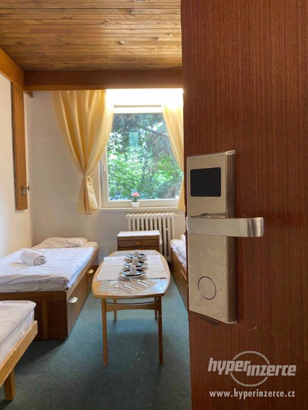 Levné ubytování Praha 6 HOSTEL - foto 6