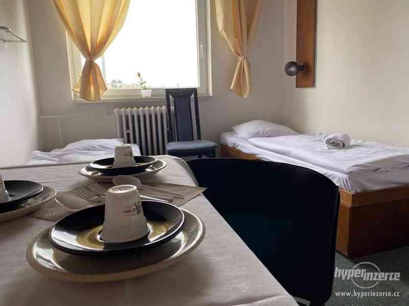 Levné ubytování Praha 6 HOSTEL - foto 4
