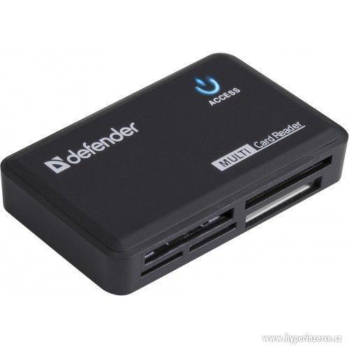 Externí USB čtečka paměťových karet k PC