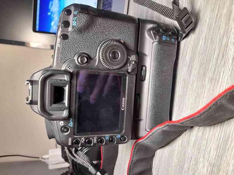 Canon EOS 5D Mark II - foto 2