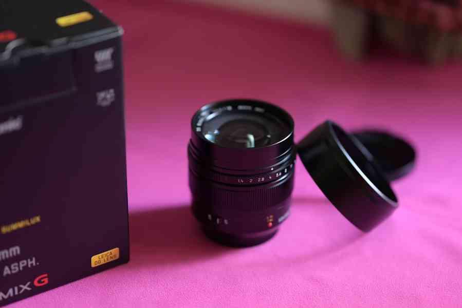 Objektiv PANASONIC 12 mm f/1,4 ASPH LEICA - foto 2