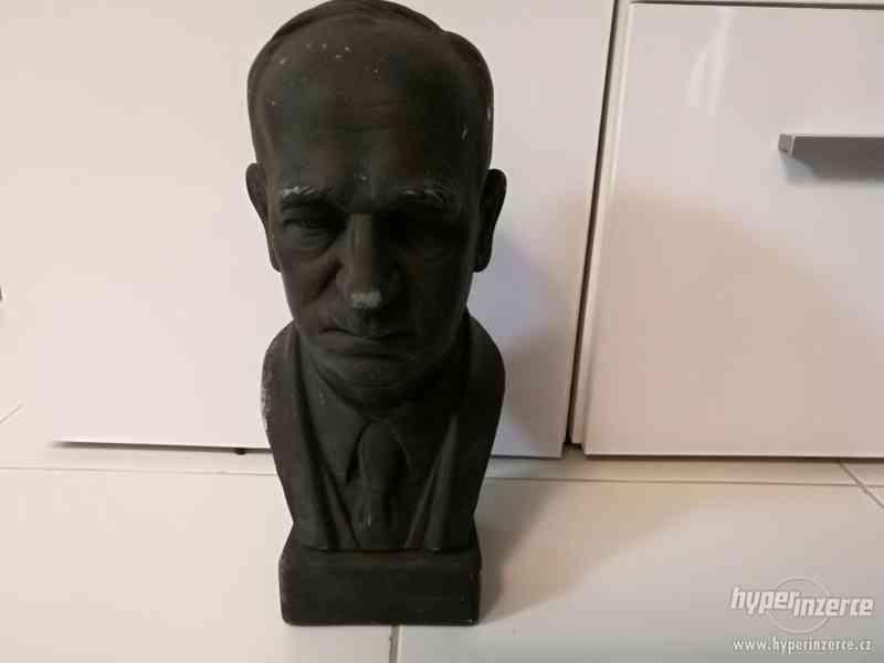 Starozitna bysta prezident Eduard Beneš.
