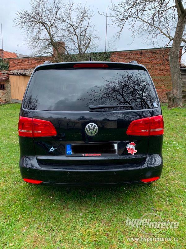 Volkswagen Touran - foto 2