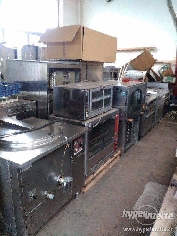 Zařízení kuchyně profi a plně funkční!