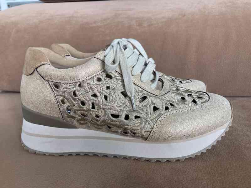 Dámské boty zlaté