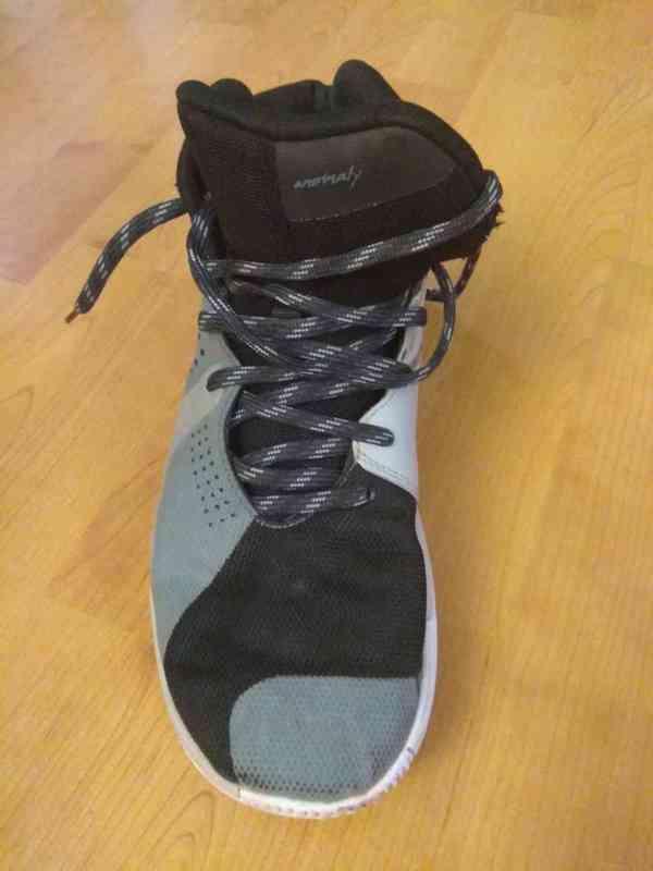 Prodám bílé značkové basketbalové ( kotníkové ) boty  - foto 7