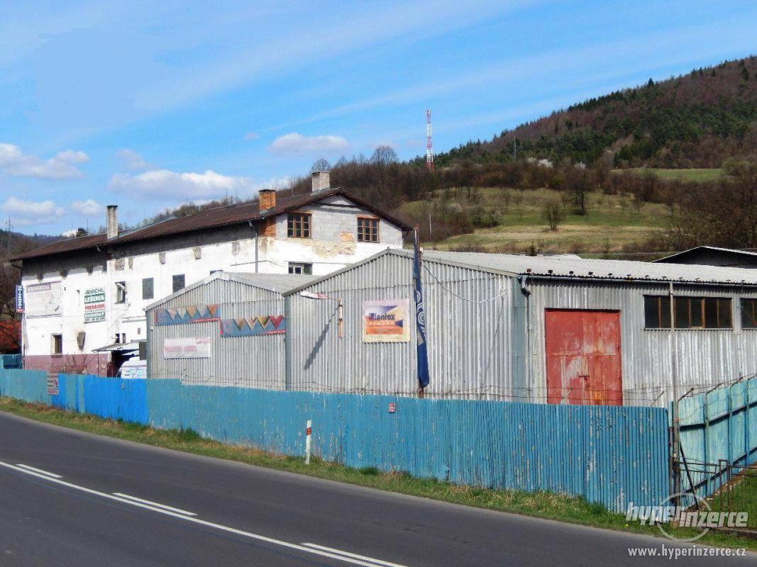 Průmyslový areál s prostory pro výrobu a skladování - foto 1
