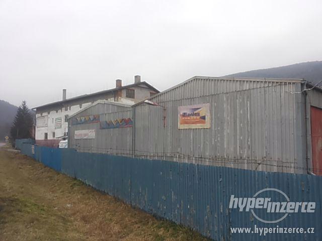 Průmyslový areál s prostory pro výrobu a skladování - foto 7