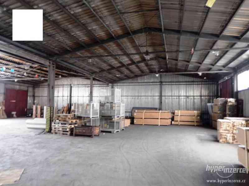 Průmyslový areál s prostory pro výrobu a skladování - foto 4